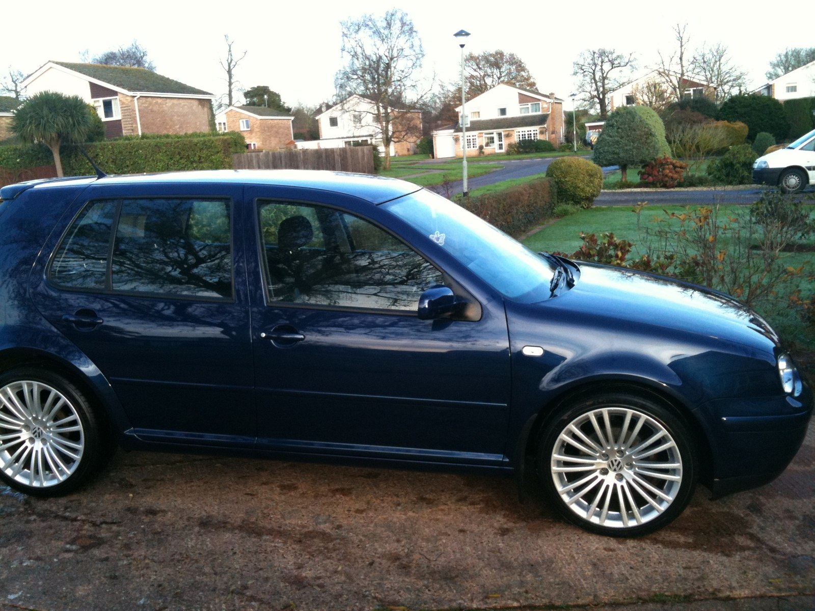 Volkswagen Golf - Information and photos - MOMENTcar