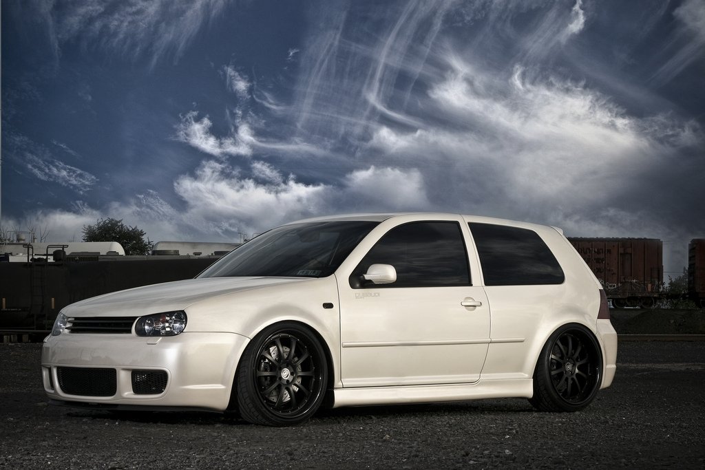 2004 Volkswagen R32 - Information and photos - MOMENTcar