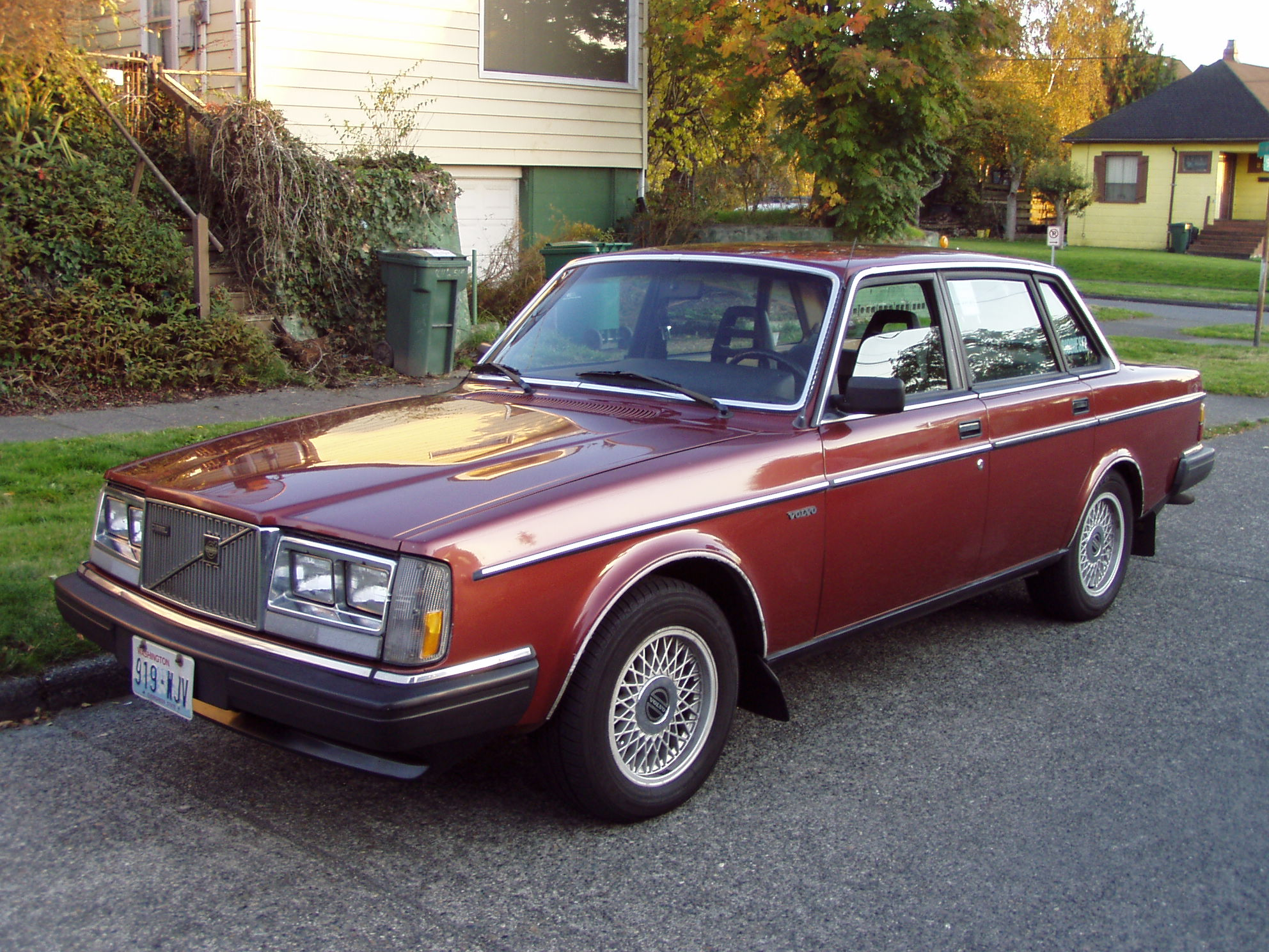 1984 Volvo 240 - Information and photos - MOTcar