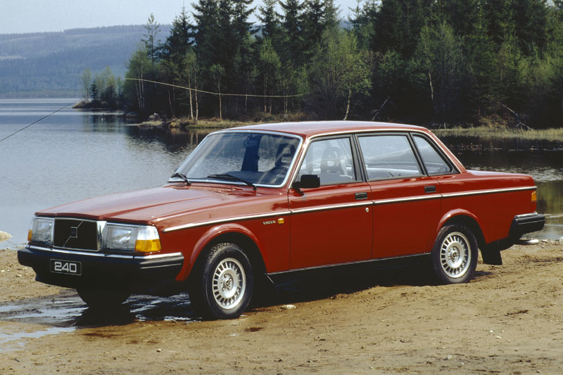 1985 Volvo 240 - Information and photos - MOMENTcar