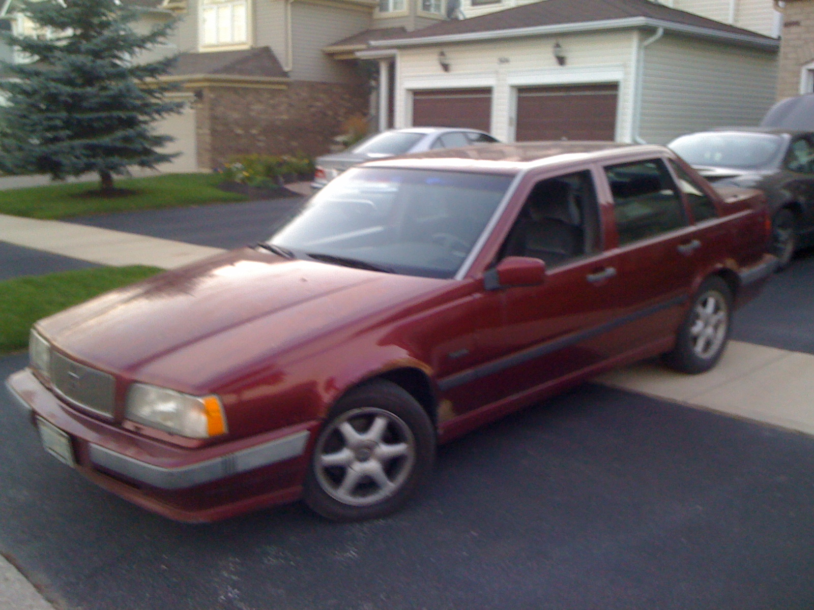 1994 Volvo 850 Blue | 200  Interior and Exterior Images