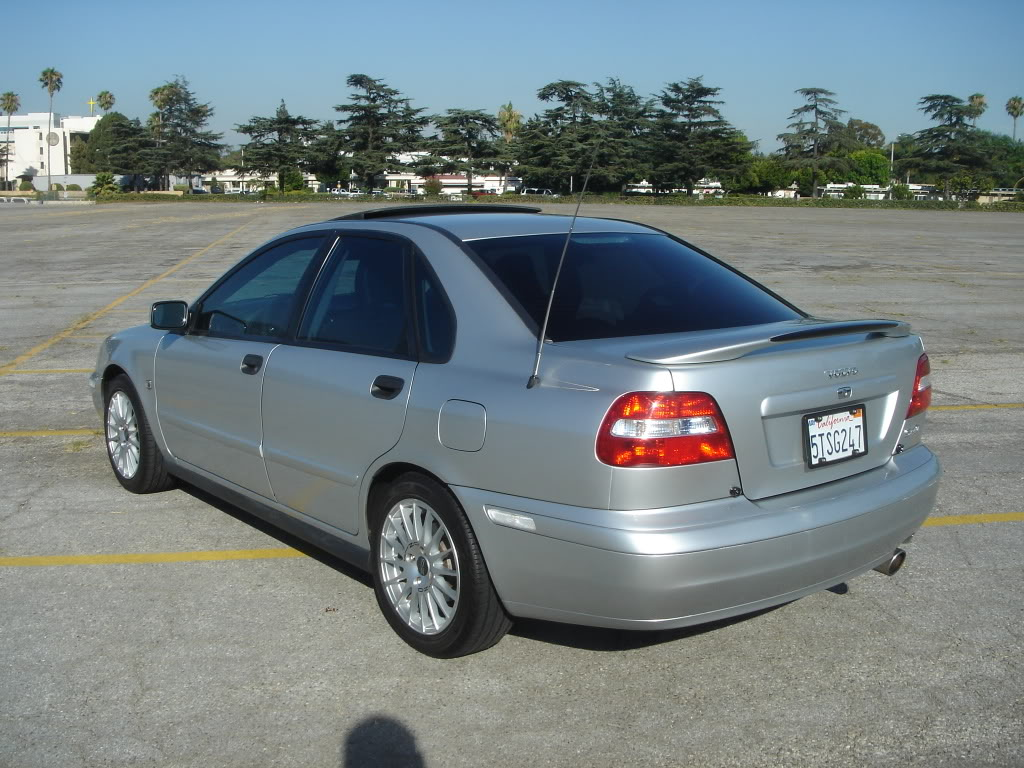 2003 Volvo S40 - Information and photos - MOTcar