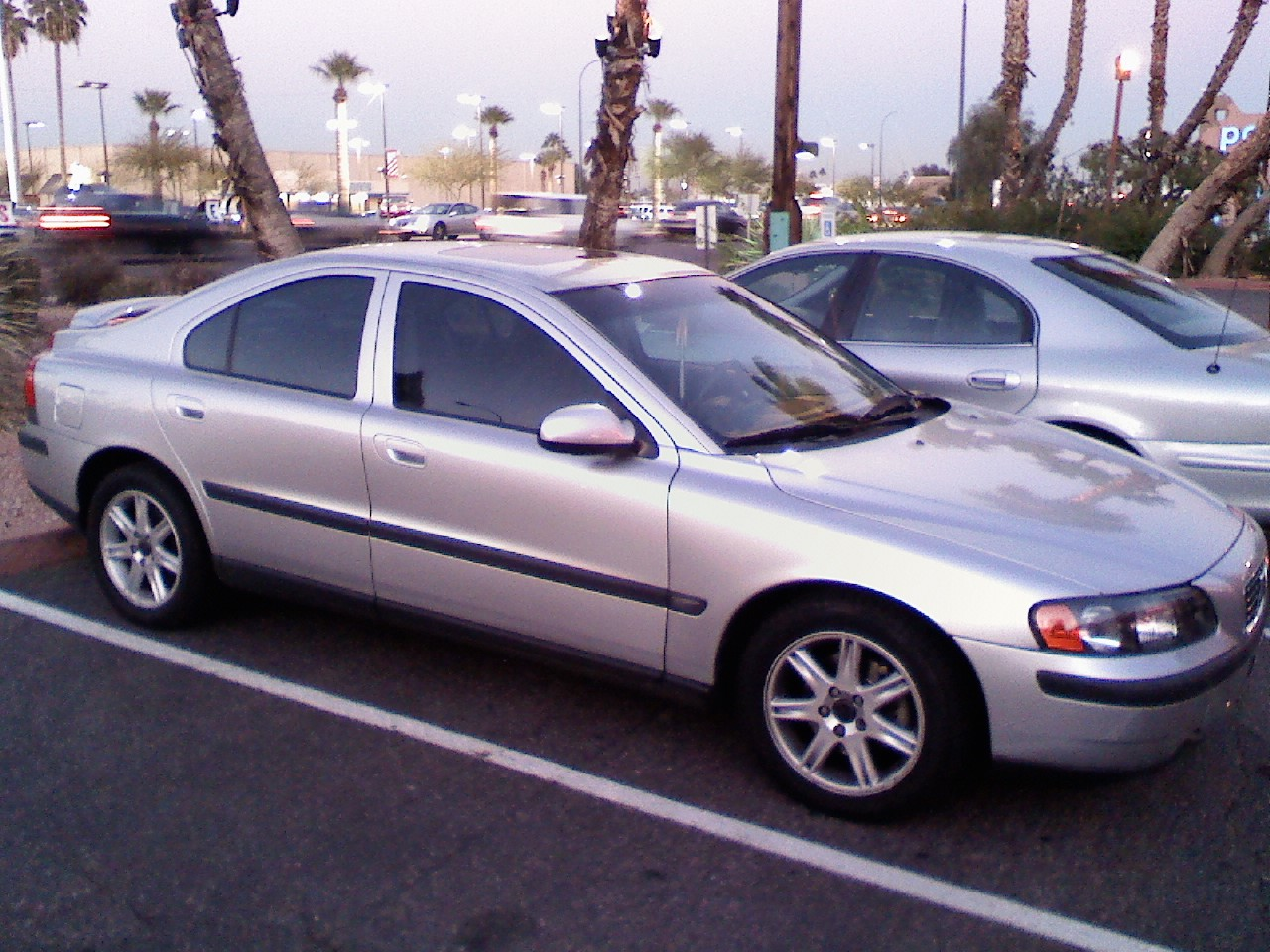 2002 Volvo S60 - Information and photos - MOTcar