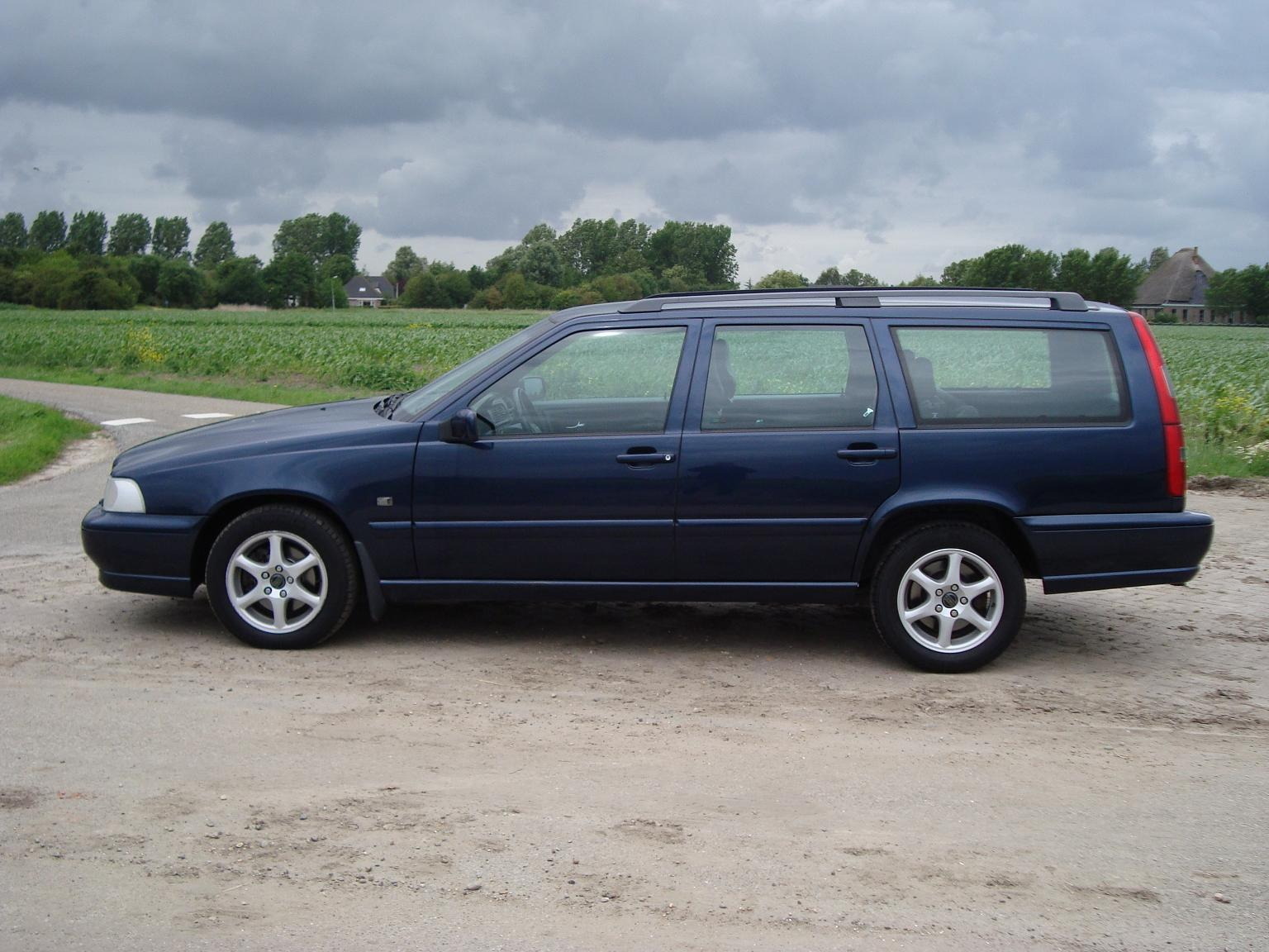 1999 volvo v70 information and photos momentcar. Black Bedroom Furniture Sets. Home Design Ideas