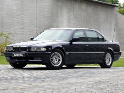 BMW 7 Series 750iL #35