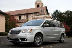 Chrysler Town and Country 2014 #8