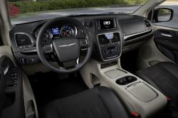 Chrysler Town and Country #19