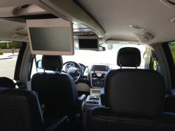 Chrysler Town and Country Touring-L #6