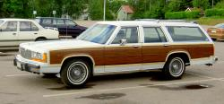 Ford Country Squire #13