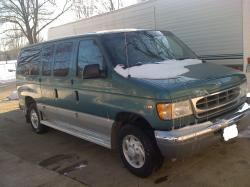 Ford E-350 Chateau Club Wagon #21