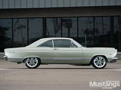Ford Fairlane 500 XL #11