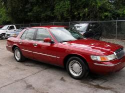 How many rating stars has Mercury 2000 Grand Marquis got?