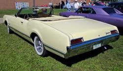 Oldsmobile Eighty-Eight #12