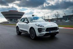 Porsche Macan Turbo #8