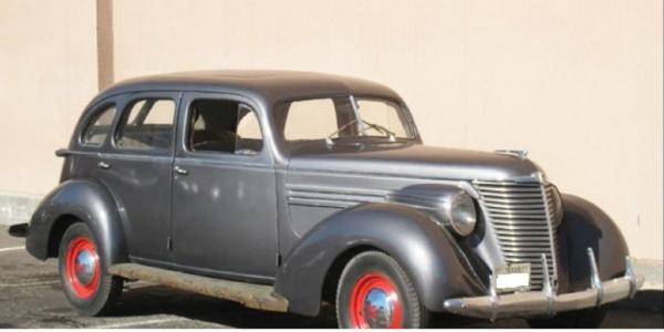 1938 Hupmobile Series 822-E