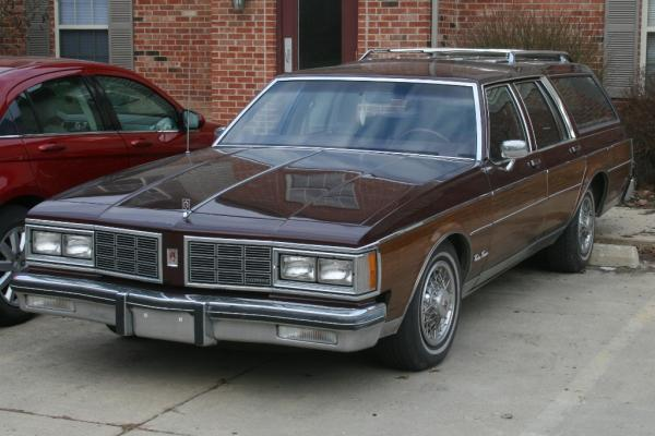 1983 Oldsmobile Custom Cruiser