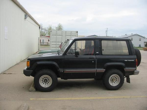 1985 Isuzu Trooper