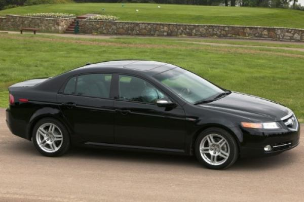 Acura 2008 TL boosting the confidence of the driver