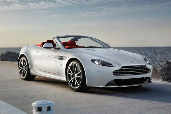 Aston Martin V8 Vantage Roadster (Midyear Redesign) #4