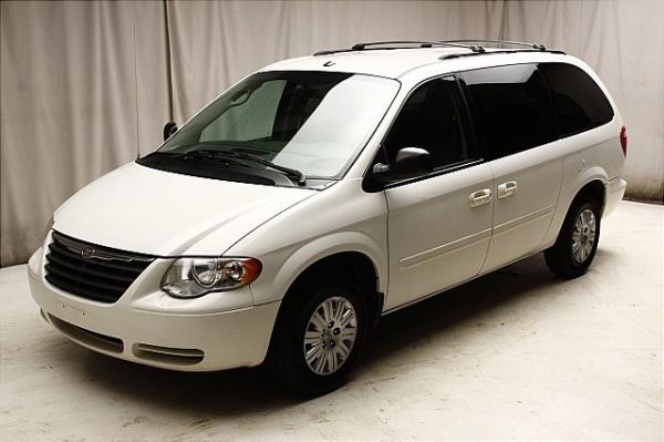 2006 chrysler town and country information and photos momentcar. Cars Review. Best American Auto & Cars Review