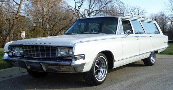 1965 Chrysler Town & Country
