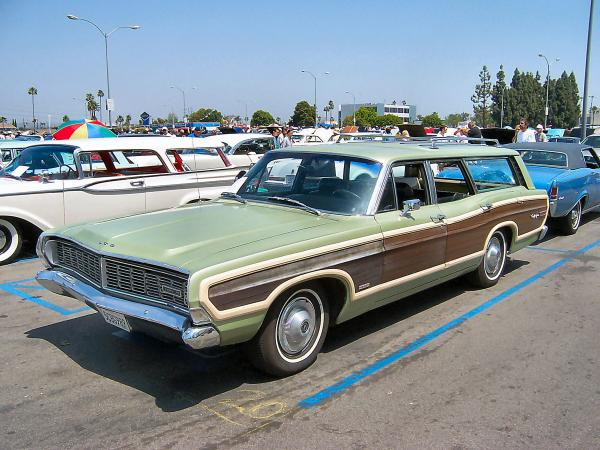 Ford Country Squire #4
