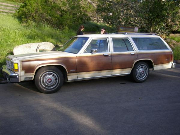 Ford Country Squire #5
