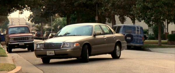 Ford Crown Victoria 2003 #3