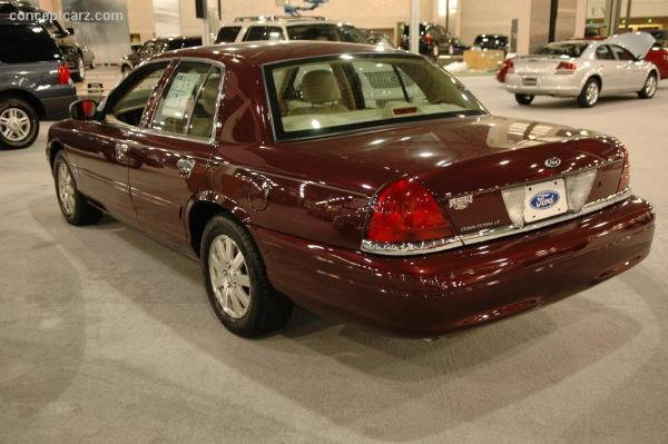 Ford Crown Victoria 2006 #5