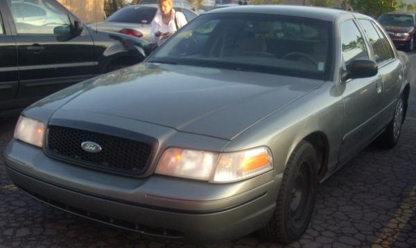 Ford Crown Victoria 2009 #4