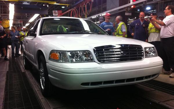 Ford Crown Victoria 2011 #4