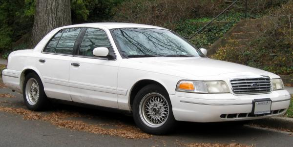 Ford Crown Victoria 2011 #5