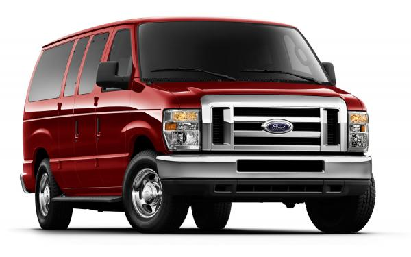 Ford E-Series Wagon E-150 XLT #2