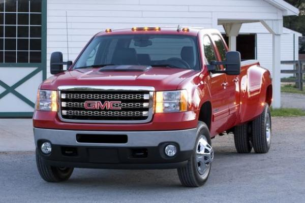 2014 GMC Sierra 3500HD - Information and photos - MOMENTcar