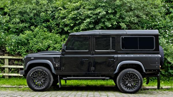 Land Rover Defender 110 #4