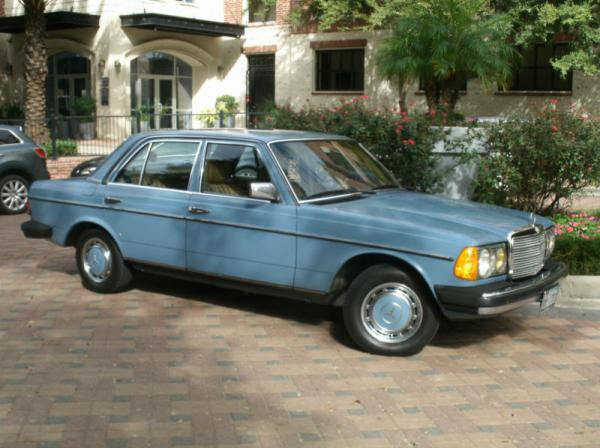 Mercedes-Benz 300CD 1981 #2