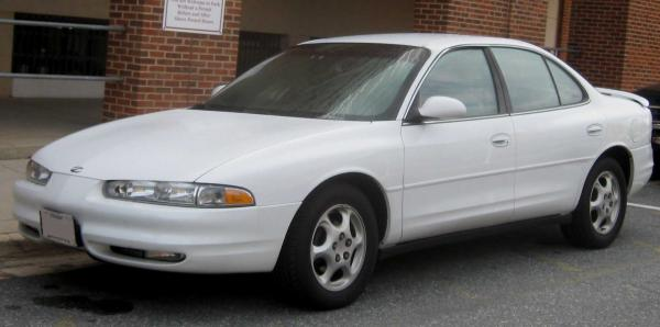 Oldsmobile Intrigue 2000 #1