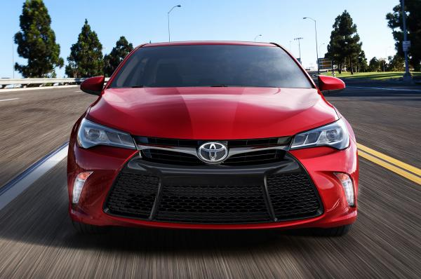 Toyota 2015 Camry Changes only in the best side!