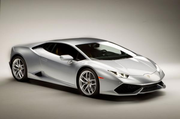Welcome to the show of insane speed with Lamborghini 2014 model, Huracán LP610-4